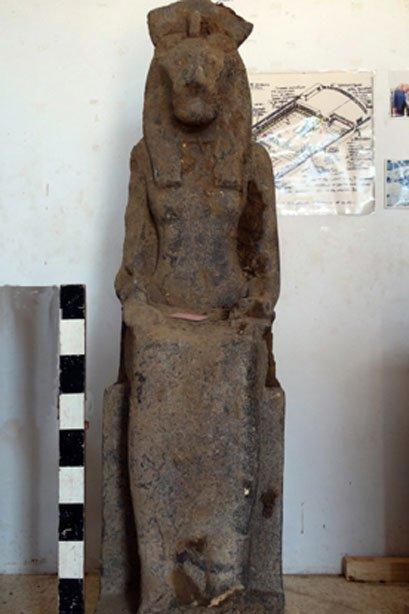 Una de las estatuas mejor conservadas de Sekhmet, la diosa leona protectora del faraón Amenhotep III. (Proyecto de Conservación del Templo de Amenhotep III y los Colosos de Memnón)