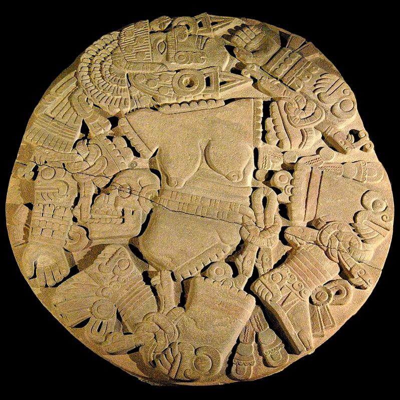 Disco de piedra con la imagen de la diosa Coyolxauhqui desmembrada. Fue hallado en Ciudad de México en el año 1978, y su descubrimiento condujo a la realización de excavaciones en el Templo Mayor. (miguelão/CC BY-SA 2.0)