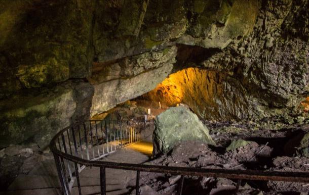 Dunmore-Cave-of-Ireland.jpg
