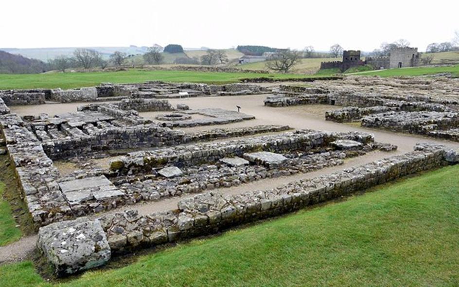 Edificio del cuartel general en el centro del fuerte romano de Vindolanda (CC BY SA 2.0)