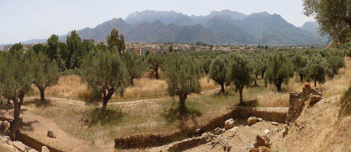 El lugar en el que se alzaba la Antigua Esparta, a orillas del río Eurotas en Laconia, al sudeste del Peloponeso, en Grecia. Foto: Ronny Siegel, 2013. (en.wikimedia.org)