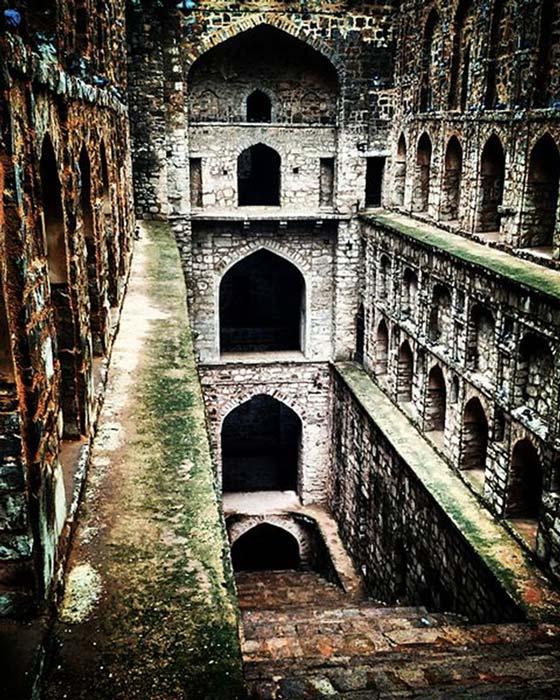 Escalinata del monumento histórico indio conocido como Agrasen ki Baoli. (Souravmishra26/CC BY-SA 4.0)