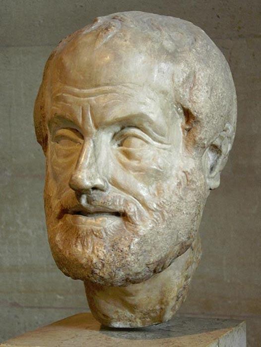 Escultura de Aristóteles. Copia de la época imperial (siglos I o II d. C.) de una escultura de bronce más antigua que se perdió, obra de Lisipo. (Public Domain)