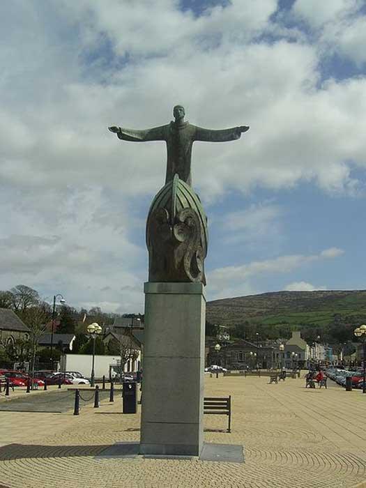 Escultura de San Brandán, The Square Bantry, Condado de Cork. (Dominio público)