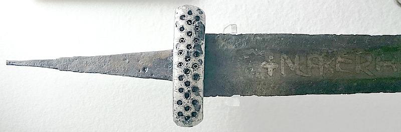 Una de las tres espadas Ulfberht halladas en el territorio de los búlgaros del Volga. Museo de Historia de Kazán, Tatarstán, Rusia. (Dbachmann/CC BY-SA 4.0)
