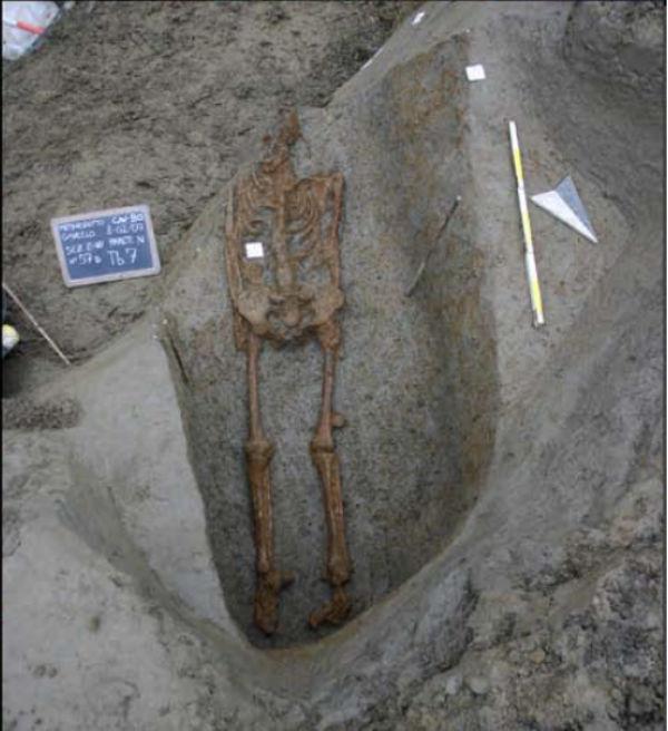 Imagen del esqueleto hallado en el norte de Italia, que podría constituir la segunda evidencia arqueológica conocida de una crucifixión. (Imagen: Springer-Verlag GmbH Alemania, parte de Springer Nature 2018, ResearchGate)