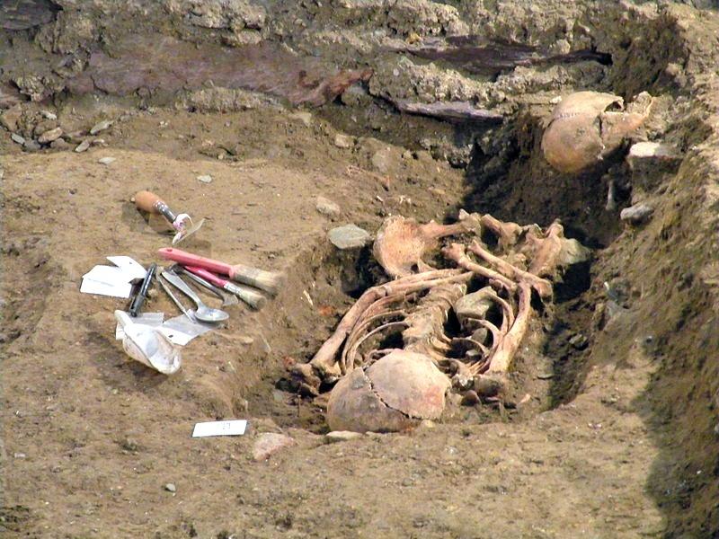 Cuerpos desenterrados en el transcurso de las excavaciones arqueológicas realizadas en el Convento de los Jacobinos de Rennes a lo largo del año 2014. (Fotografía: VIGNERON/CC BY-SA 3.0)