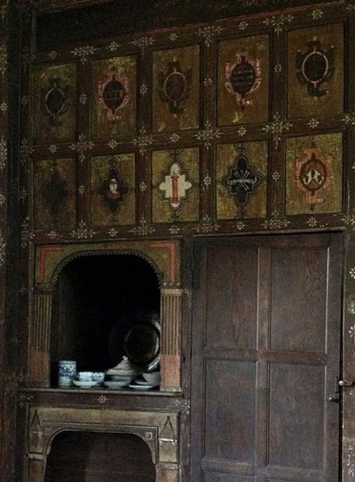 La estancia secreta de la mansión de Canons Ashby. Datada en torno al año 1604, está decorada con simbolismo rosacruz y con los emblemas de los personajes que se reunían aquí. (Fotografía: David Shire)