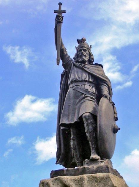 Estatua de Alfredo el Grande en Winchester; está considerado uno de los más grandes reyes de Inglaterra. (Fotografía: Odejea/Wikimedia Commons)