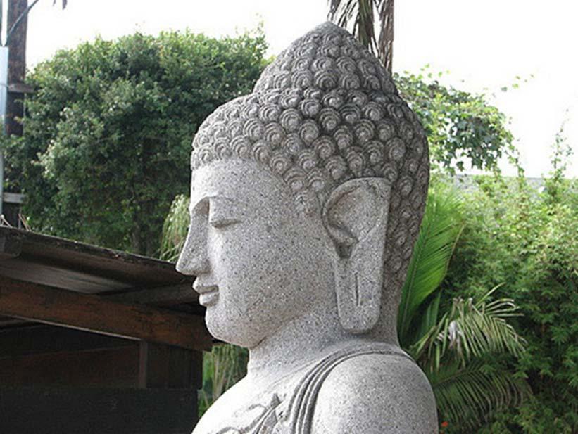 Numerosas ideas transformadoras y revolucionarias, como por ejemplo el budismo, surgieron en lugares muy alejados del mundo aproximadamente en la misma época. Karyn Christner, CC