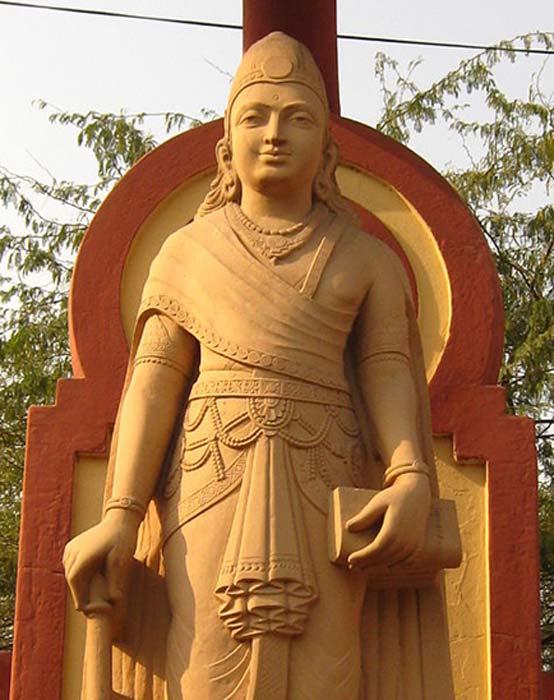 Estatua de Chandragupta Maurya, fundador del Imperio Maurya de la antigua India. (Dominio público) La leyenda cuenta además que una Visha Kanya fue enviada con la misión de asesinar a este emperador