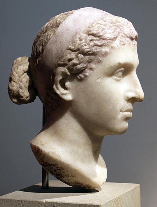 Estatua romana de Cleopatra expuesta en el Antikensammlung de Berlín (CC BY 3.0)