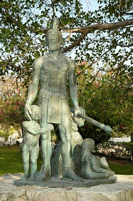 Estatua de Gonzalo Guerrero obra de Raúl Ayala Arellano, Akumal, Quintana Roo. (Public Domain)
