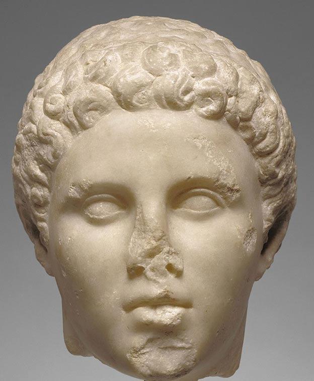 Cabeza de una estatua de Hefestión esculpida en mármol. Museo Getty de California. (Public Domain)