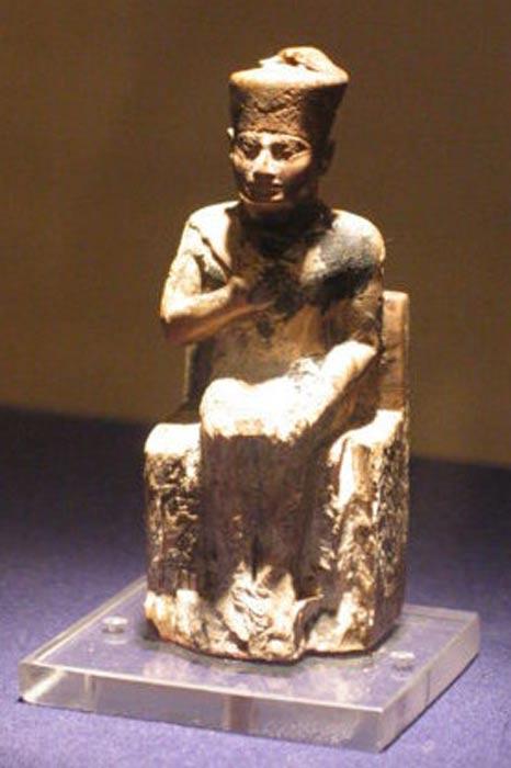 Estatua de Khufu, Museo de El Cairo. (Public Domain)