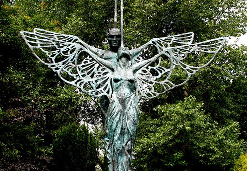 Estatua de Midir y Etain en Ardagh, Irlanda (Dan Finnan / Flickr)
