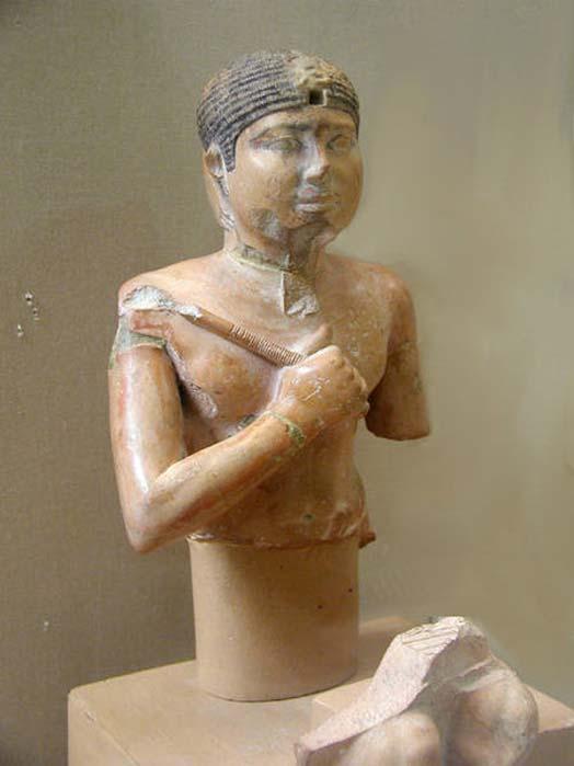 Estatua de Neferefra. Abusir. JE 98171, 34 cm. Museo Egipcio de El Cairo. (Jon Bodsworth) El reinado de Neferefra sólo duró un par de años en el periodo de la Dinastía V.
