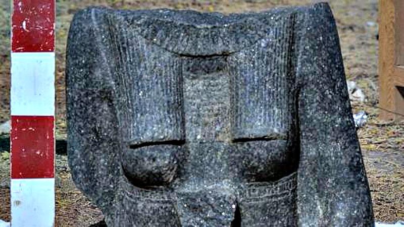 Fotografía de uno de los fragmentos de estatuas recientemente recuperados. (Fotografía: ABC)