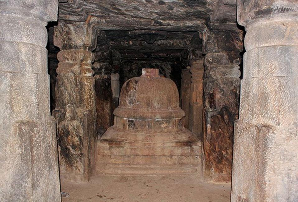 Estatua encontrada en las cuevas de Bojjannakonda (CC BY 3.0)