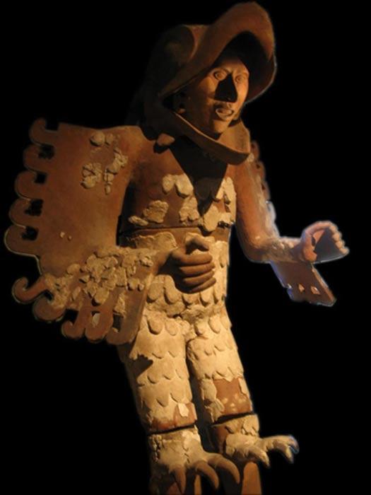 Estatua de un guerrero águila hallada en el transcurso de las excavaciones del Templo Mayor de Tenochtitlán. (CC BY SA 2.0)