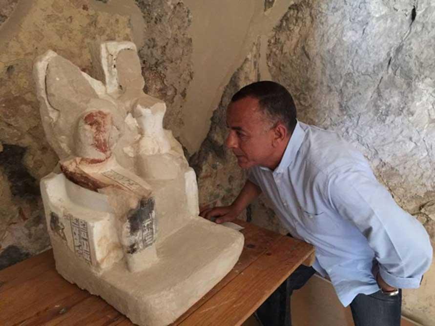 Una de las estatuas de Amenemhat, el orfebre, y su esposa Amenhoteb (Ministerio de Antigüedades egipcio)