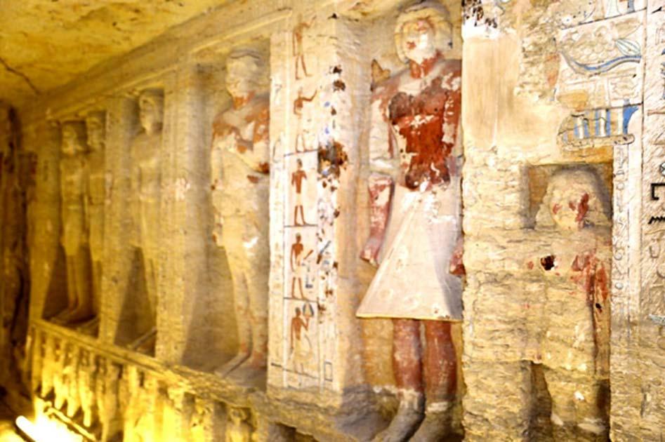 La tumba alberga 24 estatuas en su nivel superior y 31 en el inferior. (Ministerio de Antigüedades egipcio)