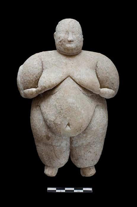 Fotografía de la figurita recientemente descubierta. (Jason Quinlan)