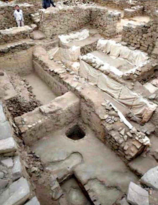 Estructuras prehispánicas del complejo arqueológico peruano de El Paraíso (Fotografía: RPP Noticias / EFE)