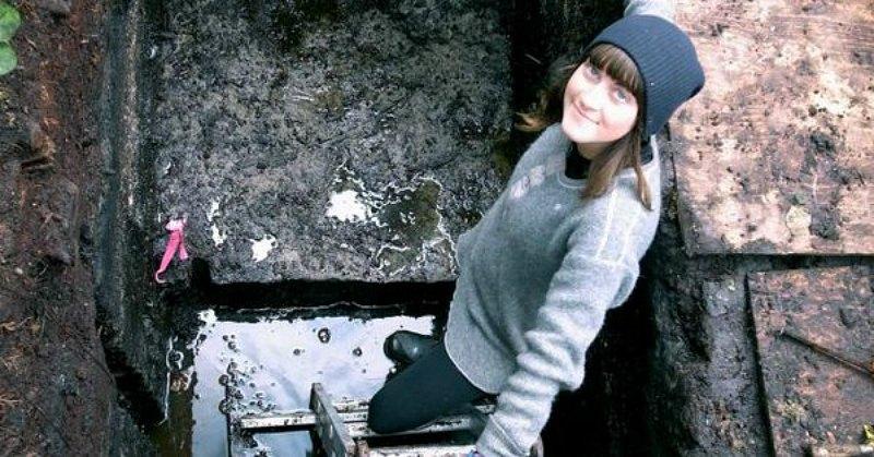 Alisha Gauvreau, estudiante de doctorado de la Universidad de Victoria, posando en pleno yacimiento. (Fotografía: Código Oculto/Vancouver Sun)