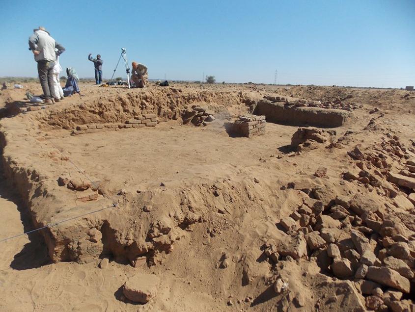 Excavaciones llevadas a cabo en el año 2015 en el yacimiento arqueológico de Abu Erteila, Sudán. (CEEMO)