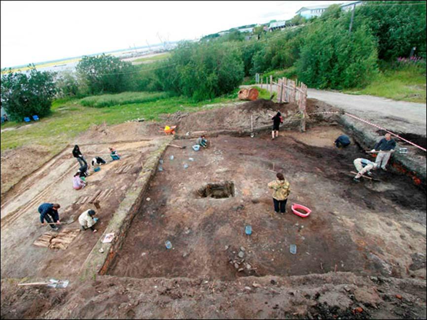 En el mismo lugar se encontró un anillo datado en 2.000 años de antigüedad considerado una prueba del culto al oso extendido entre este antiguo pueblo ártico y del que no existen registros escritos. Fotografías: Andrey Gusev
