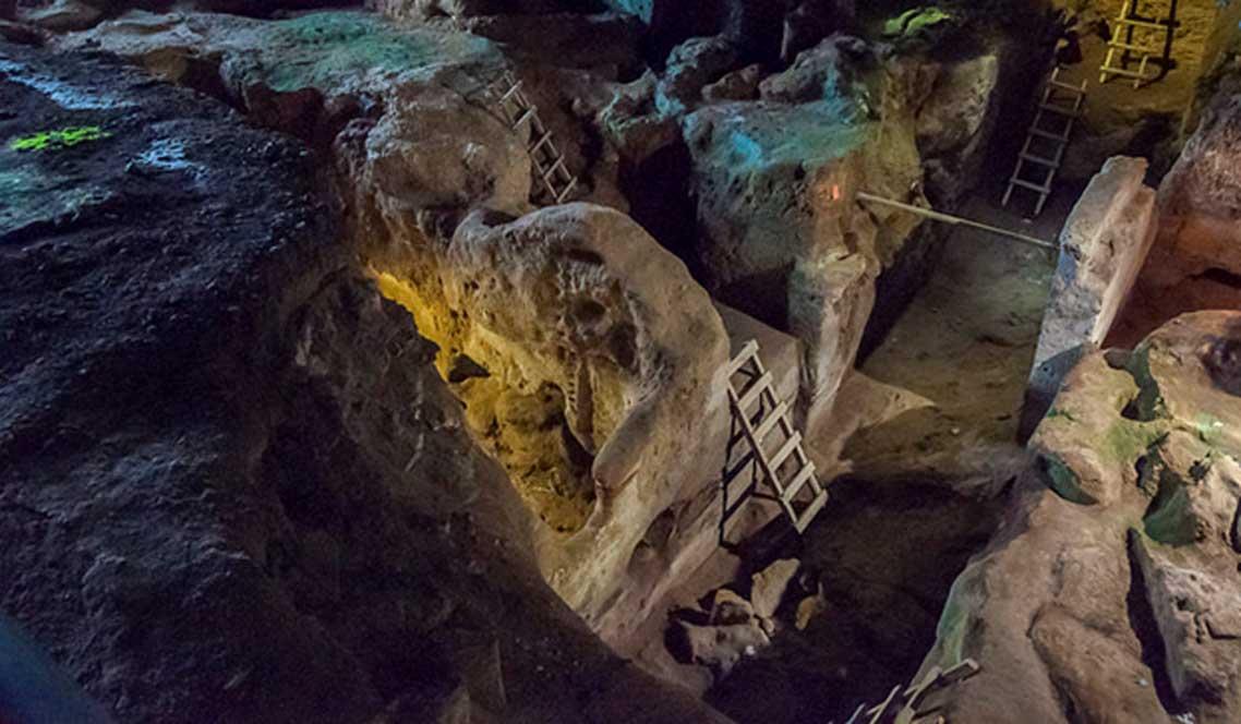 Las excavaciones en la cueva de Teopetra comenzaron en 1987 bajo la dirección de la Dra. Nina Kyparissi-Apostolika. (CC BY-NC-ND 2.0)
