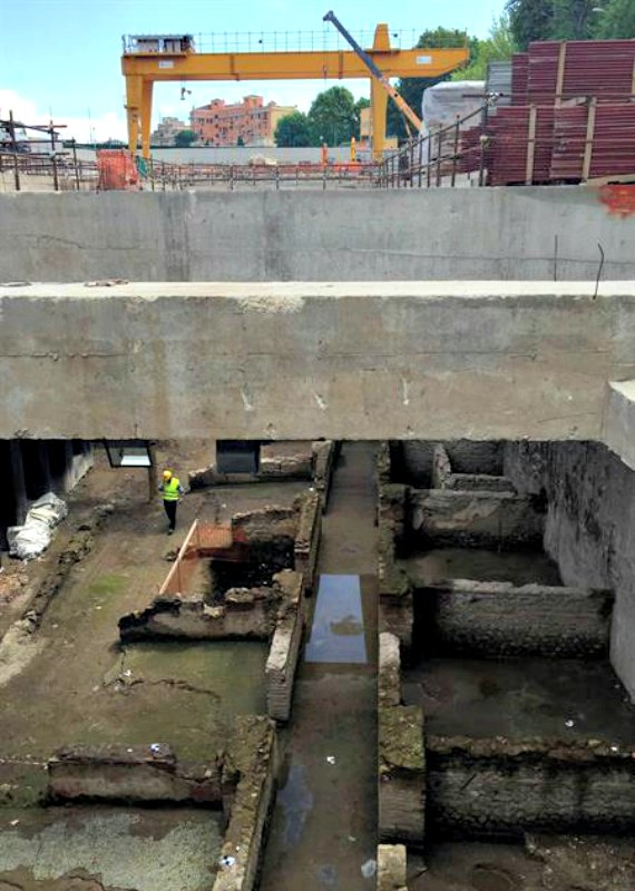 La fortaleza descubierta durante las obras de la línea C del Metro romano constaba de 29 habitáculos para la tropa. (Fotografía: Canal Patrimonio/EFE)