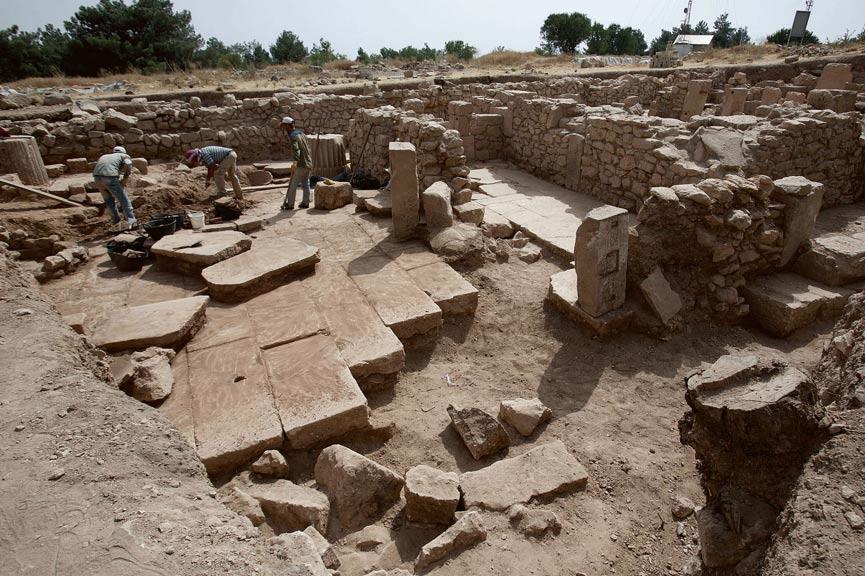 Los arqueólogos han excavado el monasterio de San Salomón situado en la cima del Dülük Baba Tepesi, monte cercano a Dolique en el que primero los romanos y más tarde los cristianos adoraron a sus diferentes dioses. (Foto: Universidad de Münster)