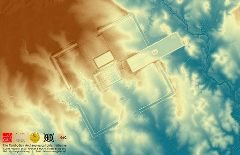 La exploración mediante láser aerotransportado ha revelado este modelo digital del terreno de Preah Khan en Kompong Svay, de unos 120 kilómetros cuadrados, despojado de árboles y otra vegetación, con lo que se aprecia claramente su relieve topográfico. (Fotografía: Damian Evans Cambodian Archaeological Lidar Initiative)