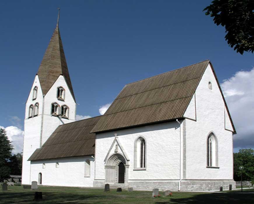 Vista exterior de la iglesia de Gärde (Dominio público)