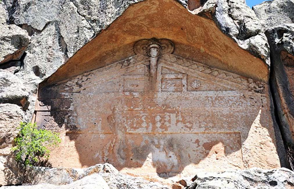 Fachada inacabada de la ciudad de Midas, Yazılıkaya, Turquía. Fuente: MEH Bergmann/CC BY SA 4.0