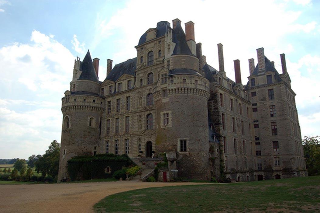 Fachadas este y norte del Château de Brissac (CC BY-SA 3.0)