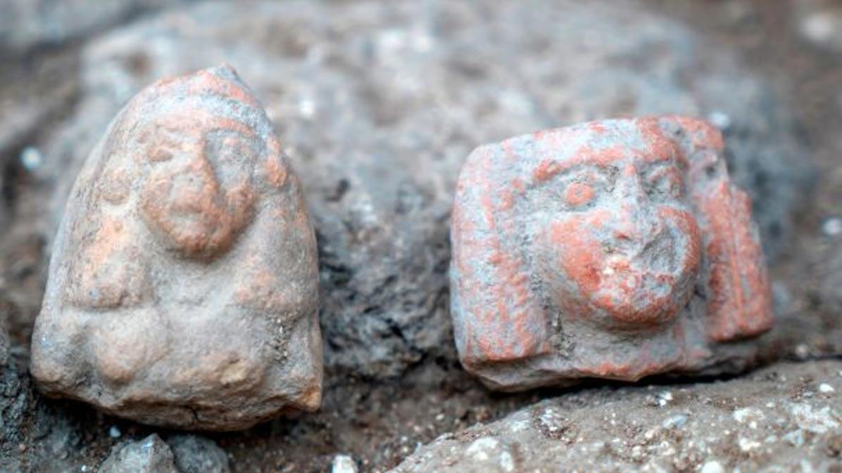 Figuritas femeninas de finales de la Edad del Bronce. (Eran Gilvarg/IAA)