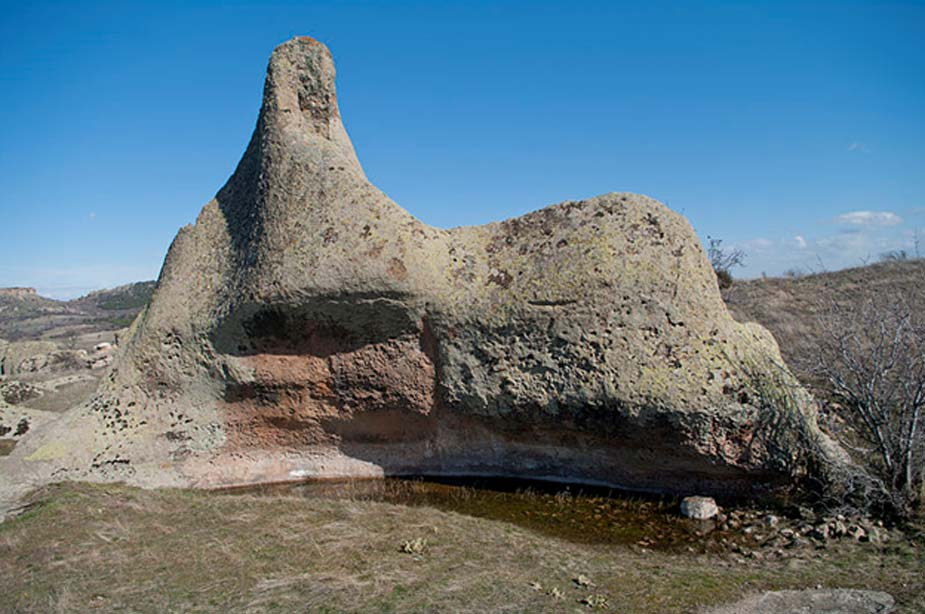 Formación rocosa en la zona más elevada de las ruinas de la Ciudad de Midas, Yazılıkaya, Han - Eskişehir, Turquía. (Zeynel Cebeci/CC BY SA 4.0)