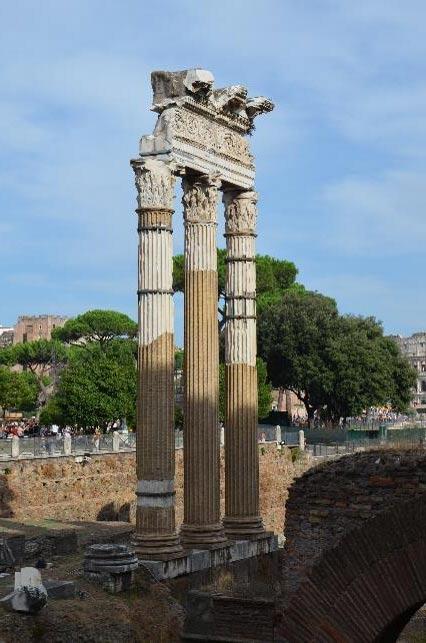 Foro de César y templo de Venus Genetrix. (CC BY-SA 2.0)