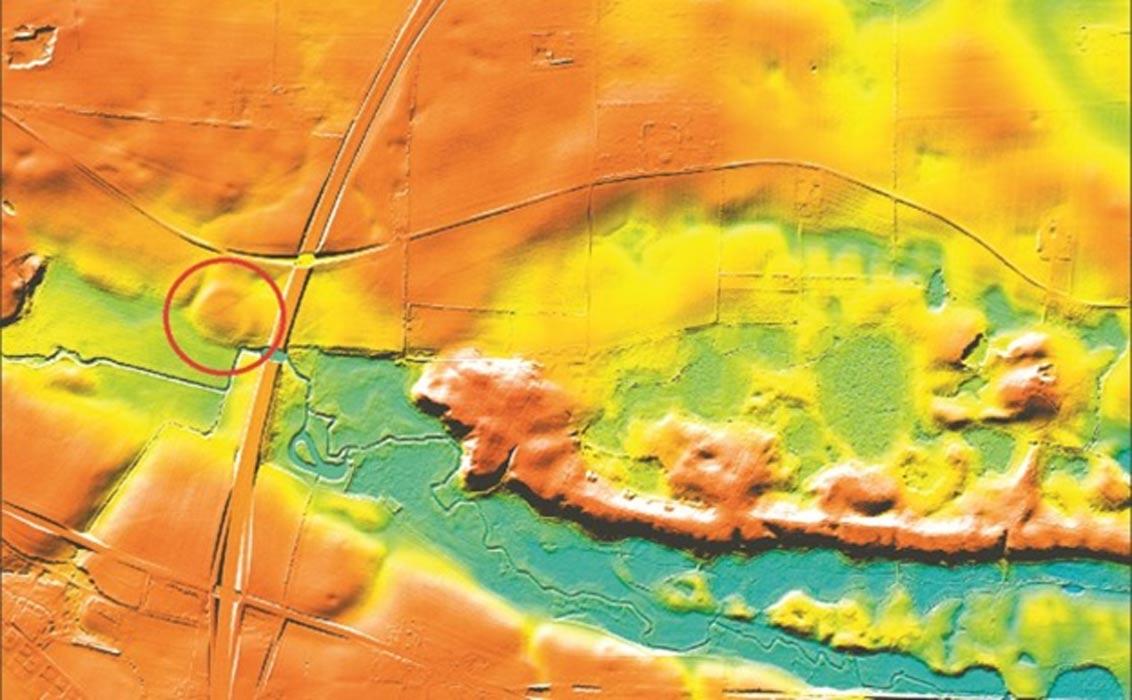 Por medio de drones se consiguió descubrir las ruinas de la fortaleza (círculo rojo) en el año 2014. (Fotografía: Museum Sydøstdanmark)