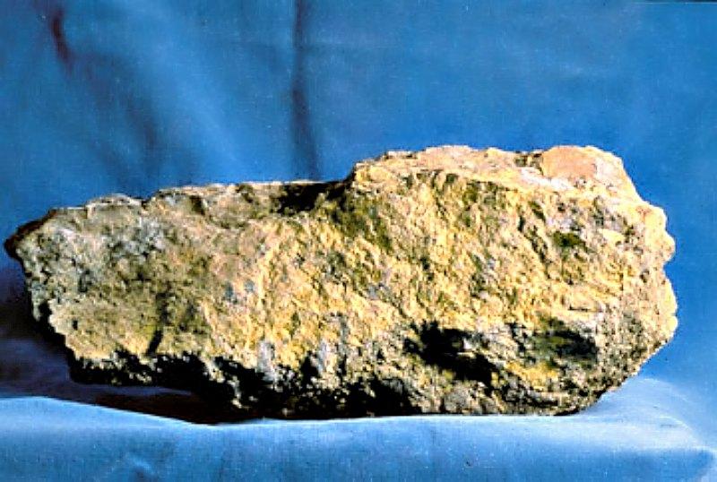 Mineral de Uranio. (USGS/Wikimedia Commons)