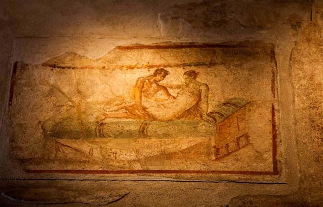 Fresco hallado en el interior de uno de los burdeles de Pompeya. (BigStockPhoto)