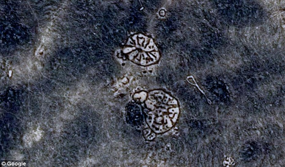 Geoglifos-ruedas-Desierto-Negro.jpg