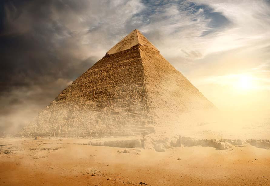 Gracias a las nuevas tecnologías se ha descubierto en el interior de la Gran Pirámide un espacio vacío de grandes dimensiones. Imagen: BigStockPhoto