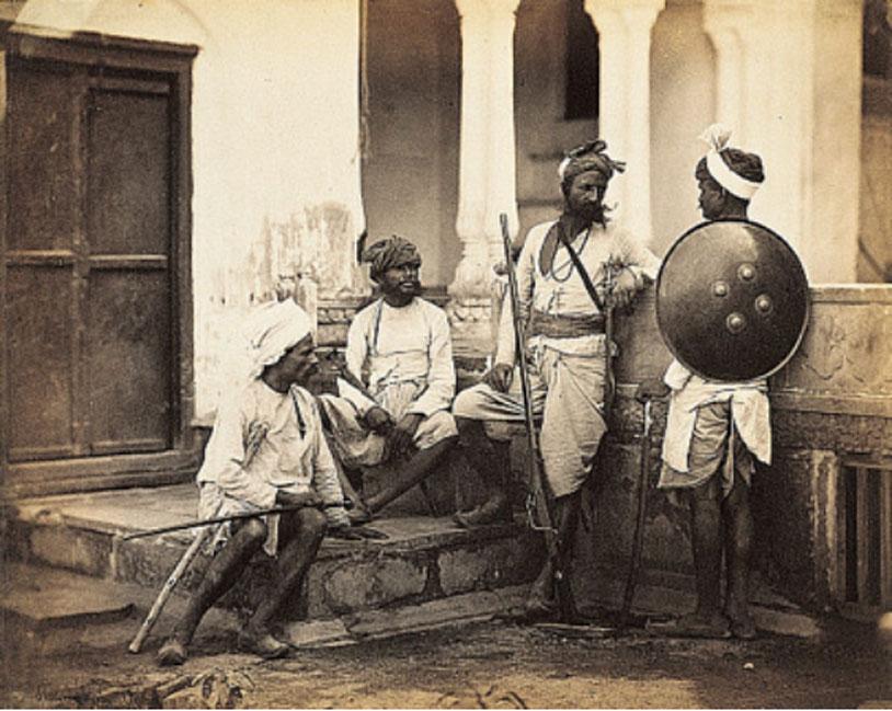 Fotografía de 1860 en la que aparecen varios Rajputs, considerados miembros de una alta casta de la India. (Dominio público)
