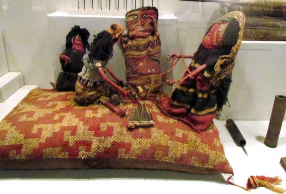 Grupo de muñecas Chancay. Museo Larco de Lima, Perú. (Flickr/CC BY 2.0)