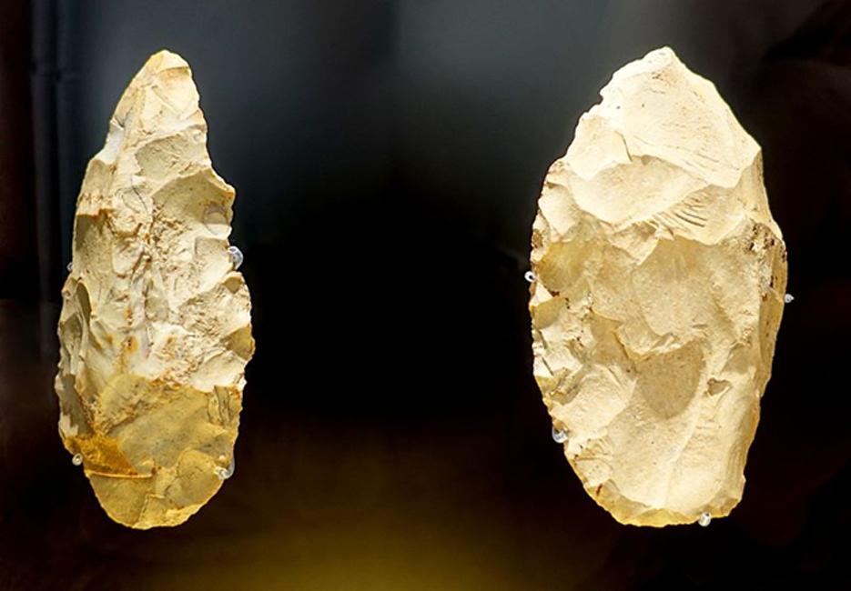 Herramientas de piedra neandertales, Bad Urach, Wittlingen, 50.000 – 70.000 años de antigüedad - Landesmuseum Württemberg - Stuttgart, Alemania. (Dominio público)