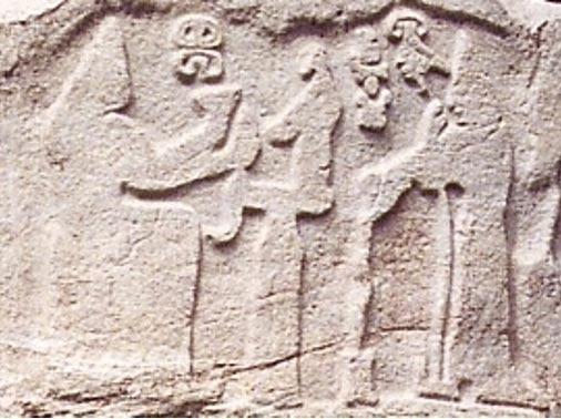 Relieve hitita de la influyente reina Puduhepa y el rey Hebat, Kayseri, Turquía